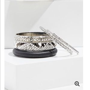 *TORRID* snakeskin print 5 bangle set